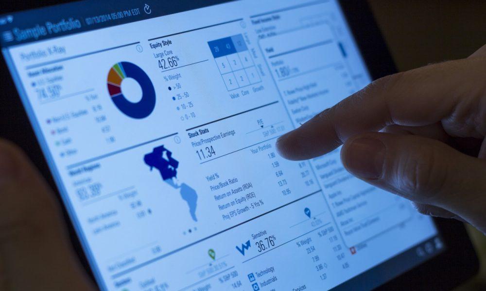 writing-hand-screen-ipad-technology-number-948715-pxhere.com